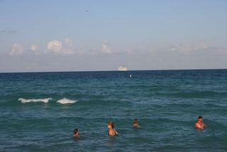 Beach Swimmers Ship IMG_6995