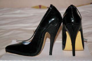 Stilettos-heels-b[1]