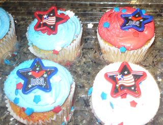 Cupcakes 2 july4-5 012