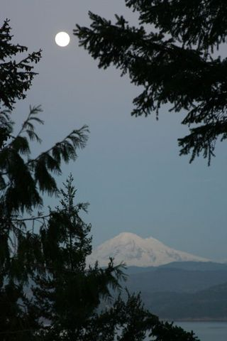 Mt Baker Moon Vertile IMG_6776