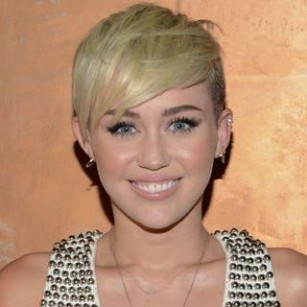 Miley-cyrus-twerking-1-0-s-307x512 2