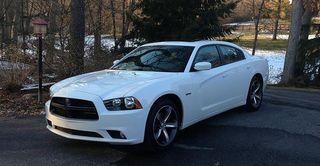 800px-Dodge_Charger_SXT_Plus_2014_(100th_Anniversary)
