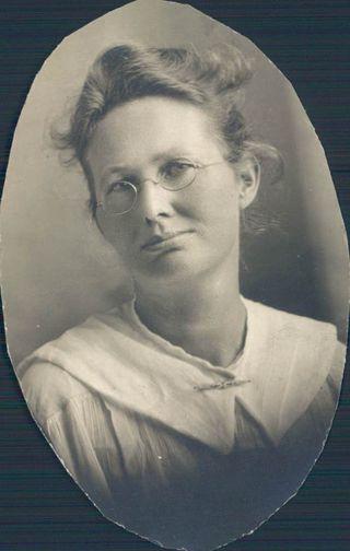 Laura Slingsby 1890