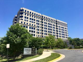 Hilton_Worldwide_headquarters_in_Virginia_seen_from_Jones_Branch_Drive