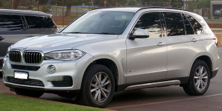 BMW_X5_(F15)_sDrive25d_wagon_(2016-04-07)_02
