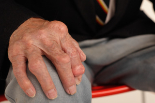 Gout-elderly-man