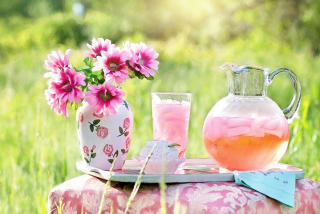 Pink-lemonade Sitting on a Table With a Vase of Pink Flowers-795029__480