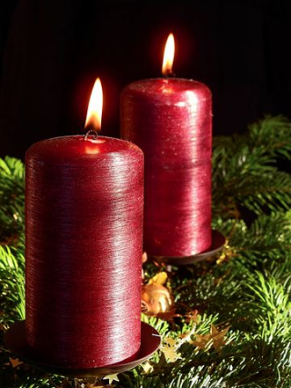 Christmas-Two Red Candles 1879768__480