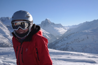 Skier-999278_1920