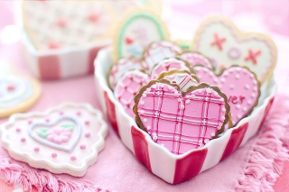 Valentines-day-Cookies in a Heart-shaped Box 3984155_640