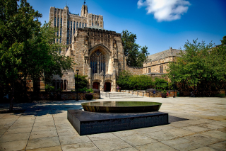 Yale-university-Buildings Fountain 1604157_1280
