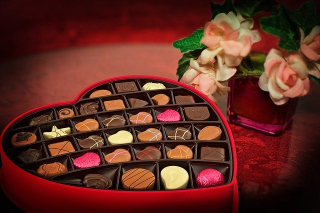 Valentines-day-Box of Candy Flowers 2057745_640
